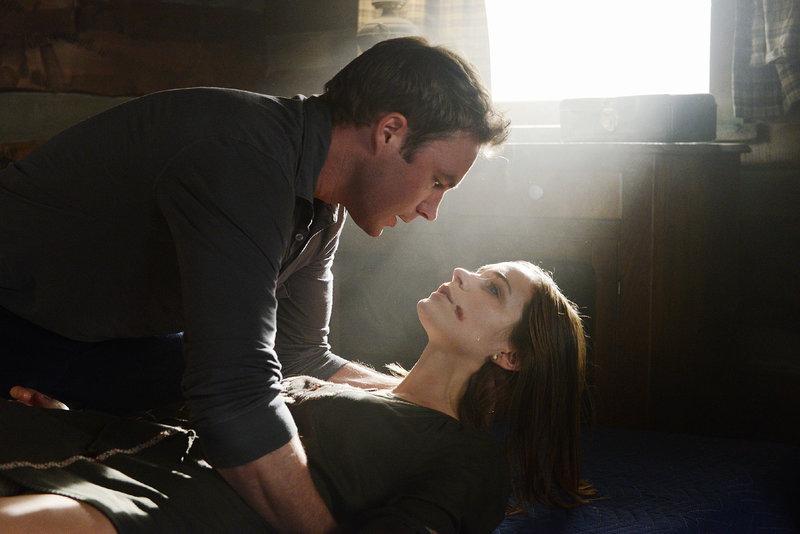 Tom (Mark Hildreth), Rachael (Kathleen Munroe) – Bild: TVNOW / ABC Studios