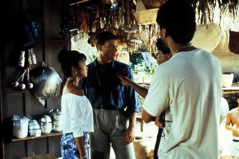 Kurt (Jean-Claude Van Damme) ist mit seinem Bruder Eric in Thailand auf der Suche nach einem ebenbürtigen Gegner. – Bild: Peppermint