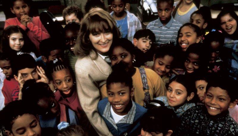 Aus dem Nichts heraus baut die ambitionierte Musiklehrerin Roberta (Meryl Streep) mitten in einem Ghetto eine Geigenklasse auf. – Bild: ARD Degeto