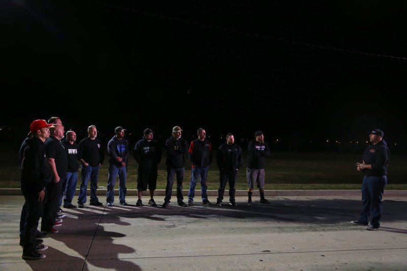 """Big Chief and the rest of the 405 drivers gather together to prepare for their showdown with JJ """"Da Boss"""" and the rest of the Memphis Racers. – Bild: Discovery Channel / Discovery Communications"""