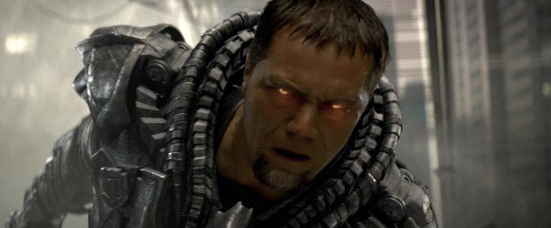 Bösewicht General Zod (Michael Shannon) glüht wortwörtlich für sein Ziel, die Vernichtung der Erde und die Wiedererschaffung seines Heimatplaneten Krypton ... – Bild: Puls 4