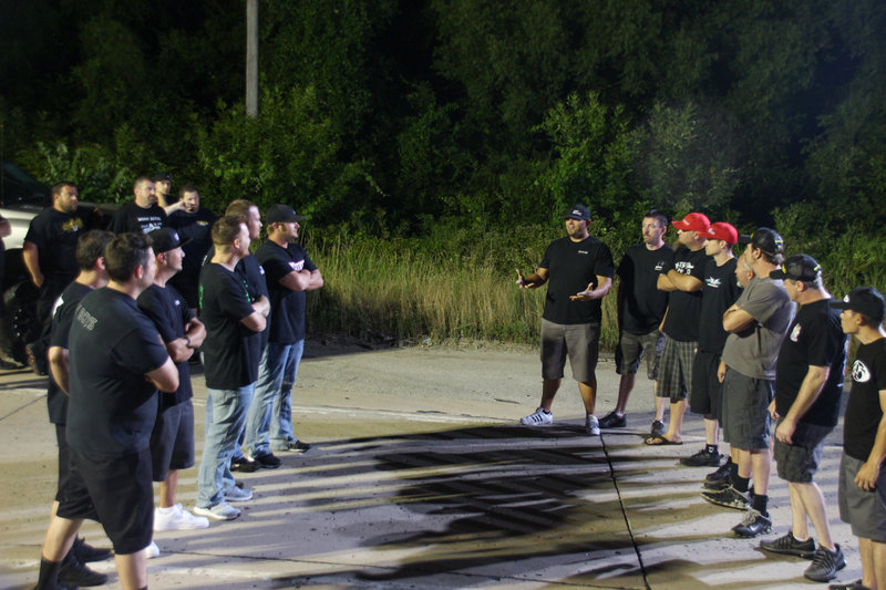 Racers from east coast to west coast meet in the 405 for the nationwide callout. – Bild: Discovery Channel / Discovery Communications