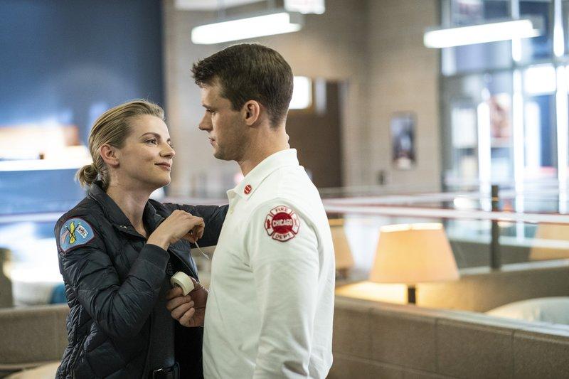 Pictured: (l-r) Sylvie Brett (Kara Killmer), Matthew Casey (Jesse Spencer) – Bild: / 2019 NBCUniversal Media, LLC/NBC/NBC