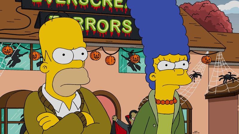 """""""Die Simpsons"""", """"Halloween of Horror."""" Wie jedes Jahr dekoriert Homer das Haus für Halloween. Derweil nimmt Lisa erstmals an der Halloween-Horror-Nacht im Krustyland teil. Die arme Lisa ist danach jedoch so geschockt, dass sie keinen Halloweenschmuck mehr sehen kann. Marge verlangt deshalb von Homer, die gesamte Dekoration wieder zu entfernen. – Bild: ORF"""