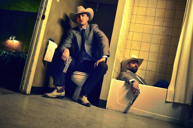 L-R: Tom Brooke as Fiore, Anatol Yusef as DeBlanc. – Bild: AMC / Courtesy of Sony Pictures Television