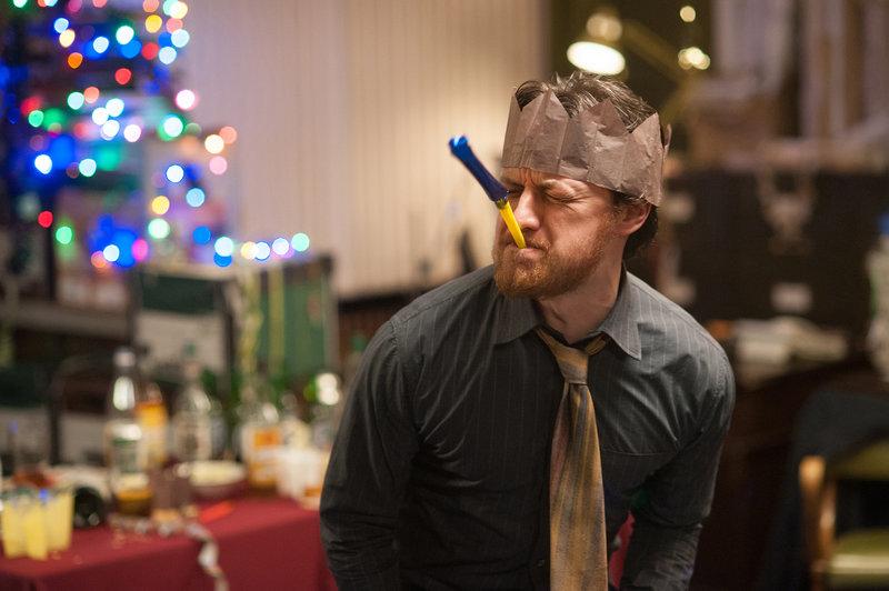 Bruce (James McAvoy) hat eine bipolare Störung und eine dissoziative Identitätsstörung. – Bild: TL5