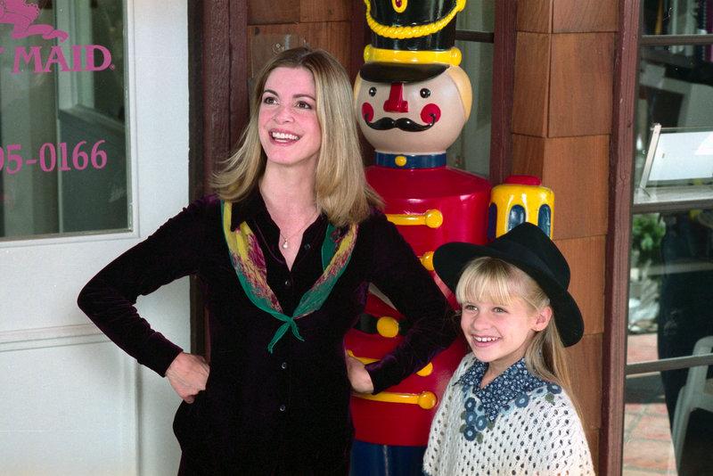 Mary (Canthia Gibb) und Felice (Jenna Boyd). – Bild: ® TMG