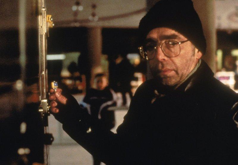 Der Feind – Teil 2 (Staffel 3, Folge 16) – Bild: 1995-1996 Twentieth Century Fox Film Corporation. All rights reserved. Lizenzbild frei