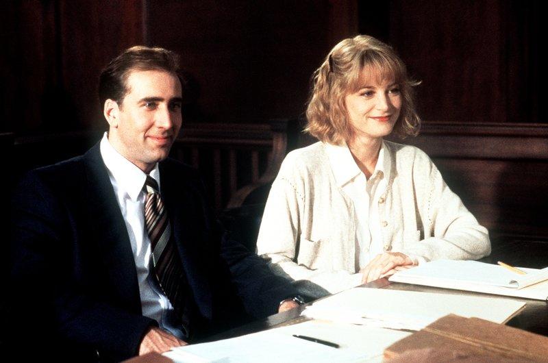 Noch lachen Charlie (Nicolas Cage, l.) und Yvonne (Bridget Fonda, r.), doch leider steht es im Prozess gegen Charlies Ex-Frau nicht gut für die beiden ... – Bild: KIRCH MEDIA GMBH & CO. KG AA
