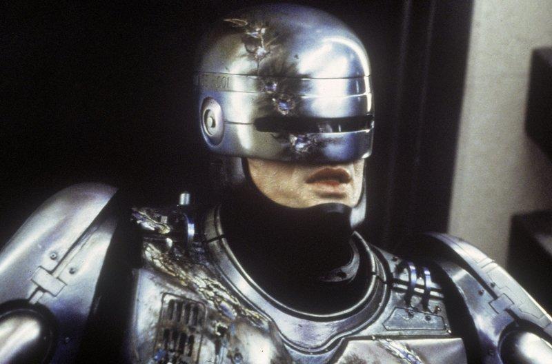 Robocop (Peter Weller) erinnert sich nach und nach an seine menschliche Vergangenheit.... – Bild: TMG