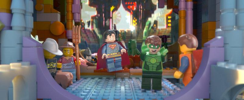 """""""The Lego Movie"""", Tag für Tag geht Emmet Brickowski dienstbeflissen seiner Arbeit nach. Dies ändert sich schlagartig, als ihm das magische 'Widerstands-Teilchen' in die Hände fällt. Die punkige Rebellin Wyldstyle hält ihn deshalb für den lange ersehnten, auserwählten Retter vor der Tyrranei von Lord Business. Streng nach Plan, droht dieser das Baustein-Universum zusammenzukleben. Emmet und Wyldstyle stürzen sich in ein turbulentes Abenteuer und wollen die Kreativität ihrer Welt mit Superhelden wie Batman und Superman verteidigen. SENDUNG: ORF eins - SO - 02.10.2016 - 20:15 UHR. - Veroeffentlichung fuer Pressezwecke honorarfrei ausschliesslich im Zusammenhang mit oben genannter Sendung oder Veranstaltung des ORF bei Urhebernennung. Foto: ORF/Warner. Anderweitige Verwendung honorarpflichtig und nur nach schriftlicher Genehmigung der ORF-Fotoredaktion. Copyright: ORF, Wuerzburggasse 30, A-1136 Wien, Tel. +43-(0)1-87878-13606 – Bild: ORF"""