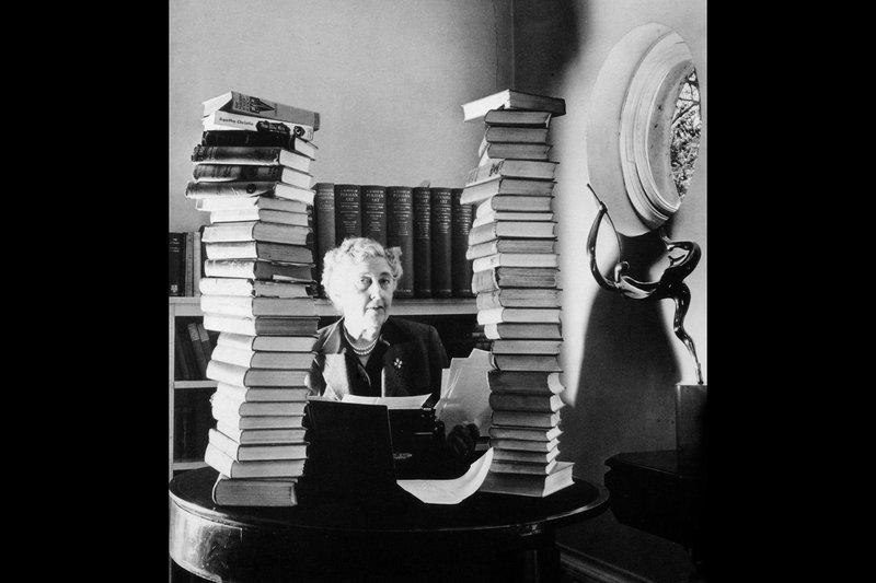 """Porträtfoto von Agatha Christie: Die Begründerin des modernen britischen Kriminalromans bricht alle Rekorde. – Bild: RB Honorarfreie Verwendung nur im Zusammenhang mit genannter Sendung und bei folgender Nennung """"Bild: Sendeanstalt/Copyright"""". Andere Verwendungen nur nach vorheriger Absprache: ARTE-Bildredaktion"""