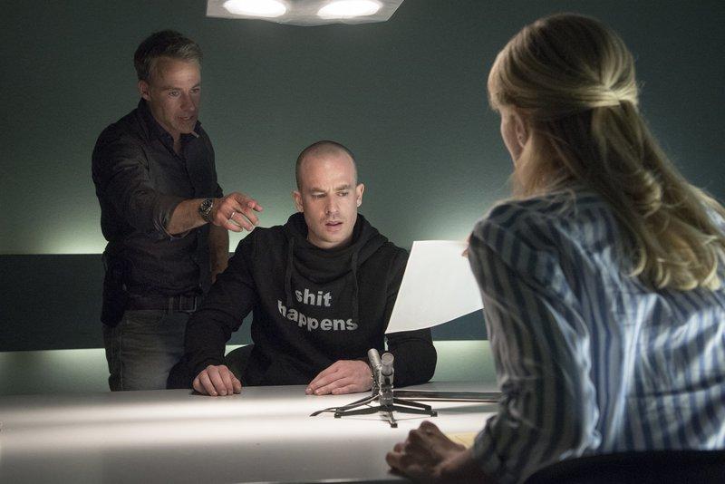 Jan Maybach (Marco Girnth), Kammler (Thomas Schumacher), Ina Zimmermann (Melanie Marschke). – Bild: ZDF und Uwe Frauendorf