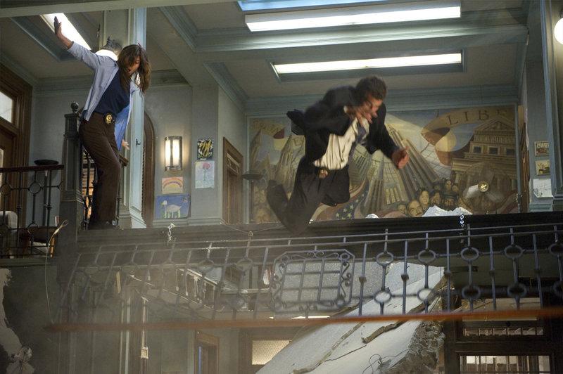 "-- ""Merchandise"" Episode 1204 -- Pictured: Precinct set -- Photo by: Virginia Sherwood/NBC – Bild: Universal Channel"