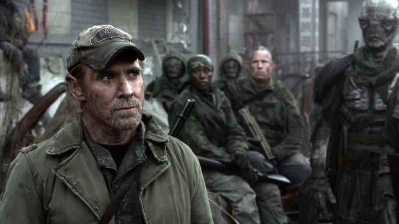 Captain Weaver (Will Patton, li.) – Bild: RTL II