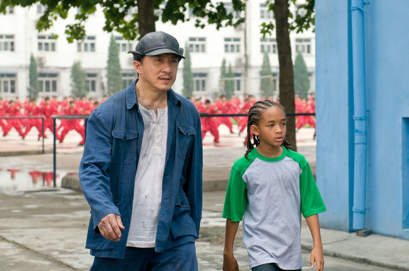 Jackie Chan (Mr. Han), Jaden Smith (Dre Parker). – Bild: ORF