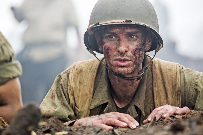 """Der Film """"Hacksaw Ridge - Die Entscheidung"""" erzählt die wahre Geschichte des Desmond Doss (Andrew Garfield). – Bild: RTL"""