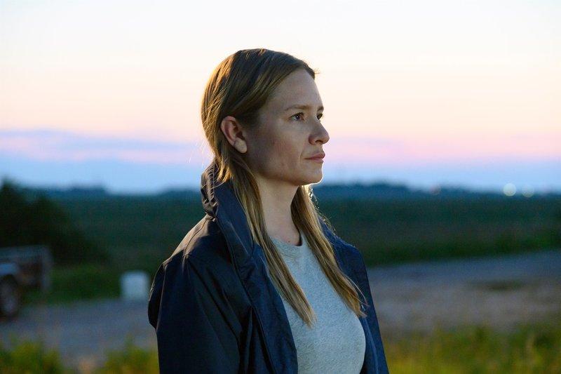 Ann Kathrin Klaasen (Julia Jentsch) fühlt sich in die Rolle der Opfer hinein, um dem Täter nachzuspüren. – Bild: ZDF und Sandra Hoever./Sandra Hoever