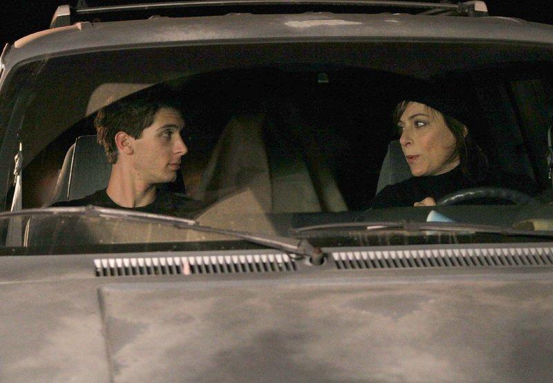 Reese (Justin Berfield) und Lois (Jane Kaczmarek) – Bild: TVNOW / © 2005-2006 Fox and its related entities.