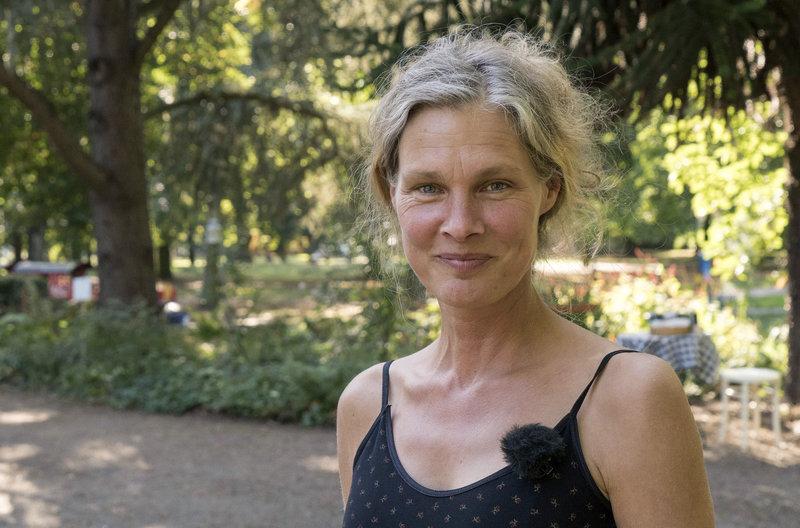 Janines Hochbeet-Paradies (Folge 5) – Bild: WDR/ITV/Max Kohr