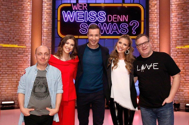 Wer Weiss Denn Sowas S04e103 Victoria Swarovski Paulina Swarovski Fernsehserien De