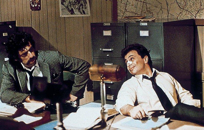 Keneely (Elliott Gould) und Farrell (Robert Blake) verfolgen einen Boss der Unterwelt auf eigene Faust... – Bild: Kabel Eins Classics