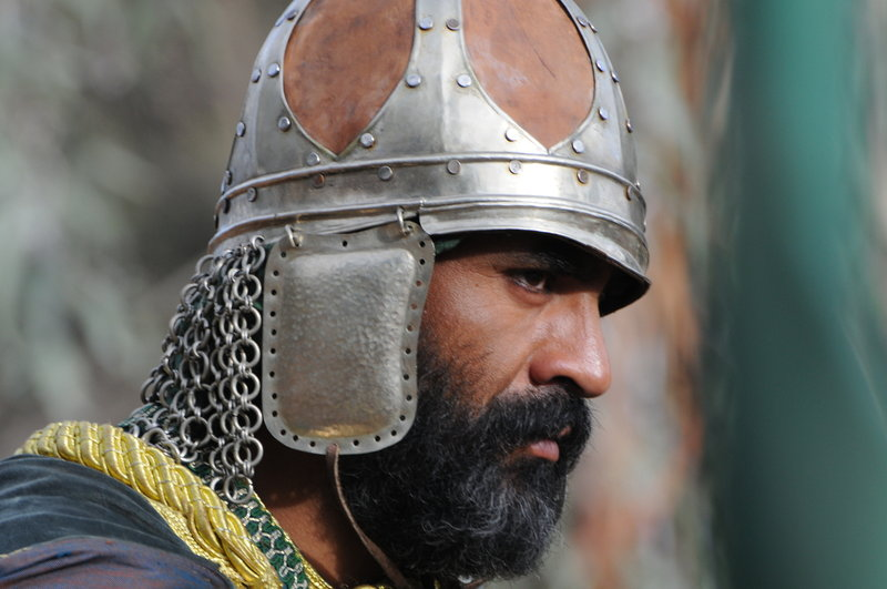 Re-enactment, Saladin. Saladin was a strict adherent of Sunni Islam and a mystical disciple of the Qadiri order. His chivalrous behavior was noted by Christian chroniclers. (Photo credit: Parthenon Entertainment) – Bild: 2011 - Parthenon Entertainment Ltd. All rights reserved. Lizenzbild frei