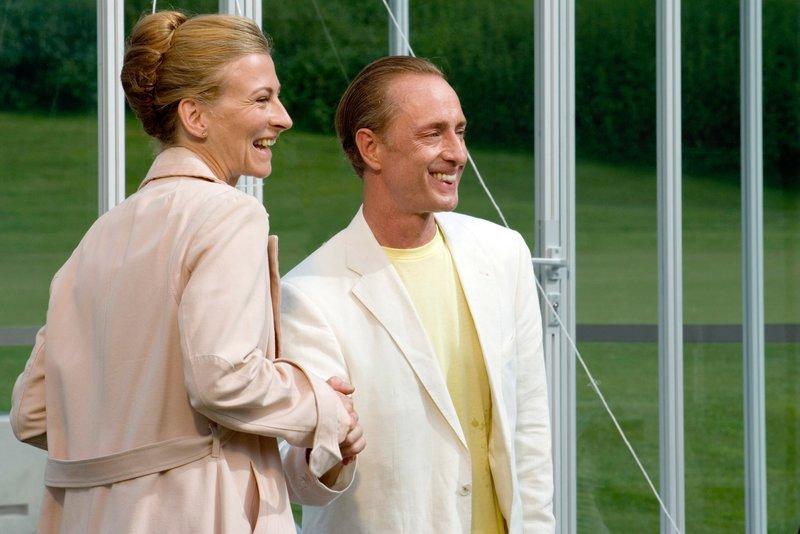 Tatjana Alexander (Carla Mittersteig), Wilfried Hochholdinger (Heinrich Ellenjak). – Bild: ORF III