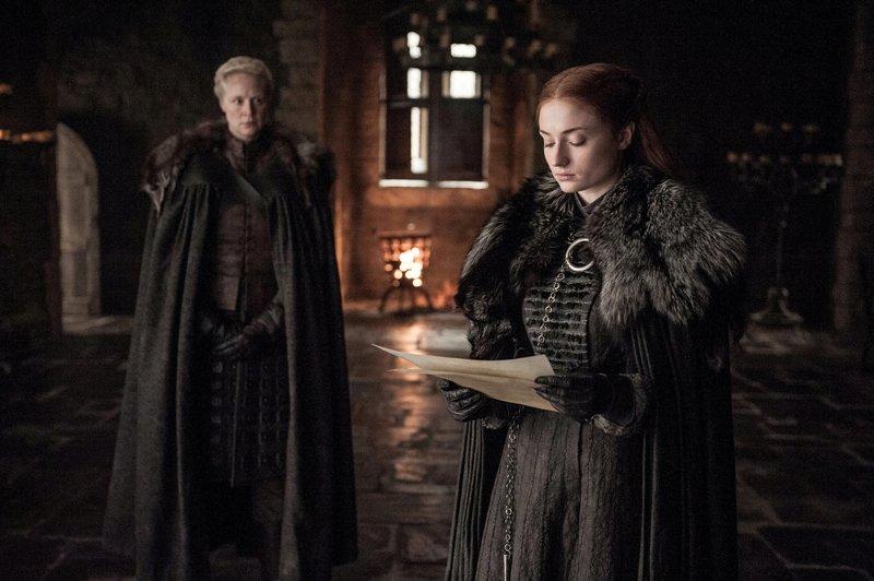On right: Sansa Stark (Sophie Turner) – Bild: Sky Atlantic