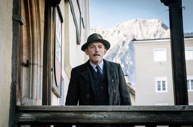 Die kleine Gemeinde von Wörgl erlebt 1932 durch die Finanzkrise schwere Zeiten. – Bild: ORF / © Epo-Film/Hendrik Heiden