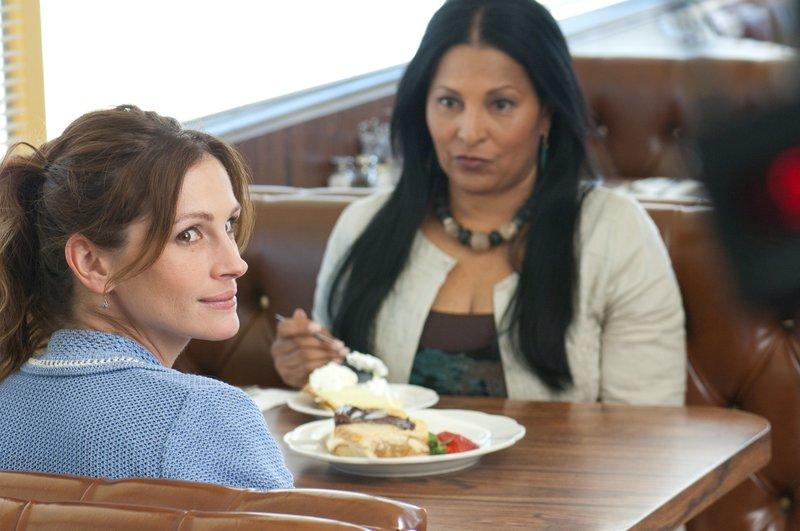 Julia Roberts (Mercedes Tainot), Pam Grier (Frances). – Bild: Polsat
