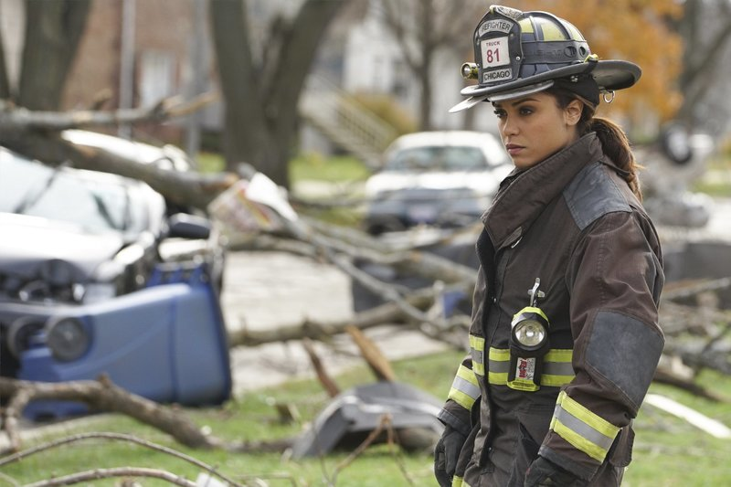 "-- ""The Path of Destruction"" Episode 411 -- Pictured: Monica Raymund as Gabriela Dawson -- (Photo by: Elizabeth Morris/NBC) – Bild: Universal TV"