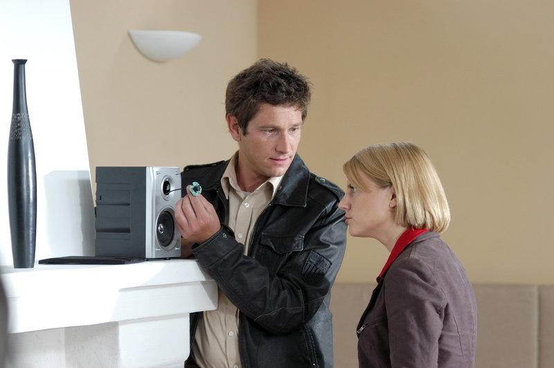 Andreas Kiendl (Klaus Lechner), Kristina Sprenger (Karin Kofler). – Bild: ORF