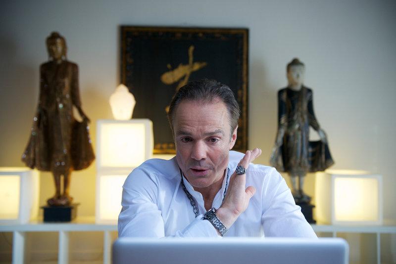Ronnie (Hannes Jaenicke) hat große Pläne und braucht dafür nur noch den richtigen Partner ... – Bild: WDR