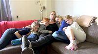 Katrin (33) lebt mit vier Kindern im Alter zwischen sechs und 13 Jahren in einem kleinen Dorf in Niedersachsen. Vom Vater ihrer Kinder hat sie sich vor vier Jahren getrennt, er lebt nun 500 Kilometer entfernt in Bayern. Ob Kindergarten, Schule, Freizeitaktivitäten oder Besorgungen – für ihre Kinder legt die 33-Jährige mit dem Auto täglich fast hundert Kilometer zurück. Am Ende des Tages ist Katrin völlig erschöpft. – © RTL II