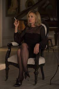 Während Fiona (Jessica Lange) sich mit dem Rat der Hexen beschäftigen muss, gerät bei Zoe alles aus dem Ruder ... – © 2013-2014 Fox and its related entities. All rights reserved. Lizenzbild frei