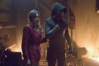 Werden es Laurel (Katie Cassidy) und Arrow (Stephen Amell) schaffen, sich aus ihrem Versteck zu befreien? – © VOX