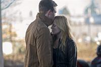 Wird Sara (Caity Lotz) es schaffen Oliver (Stephen Amell) bei seinem Racheplan zu helfen und so ihre Liebe zu retten? – © VOX