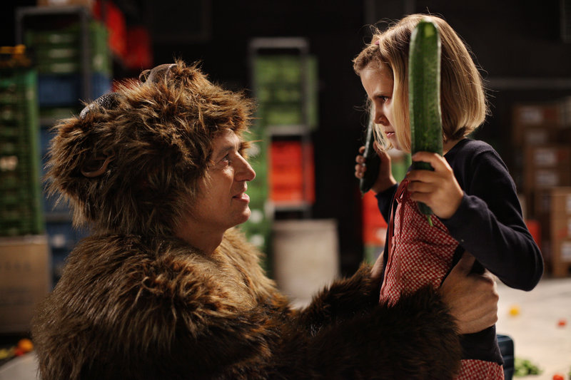 Tobias Moretti (Thor van Sneider), Lilly Reulein (Marcella). – Bild: ORF