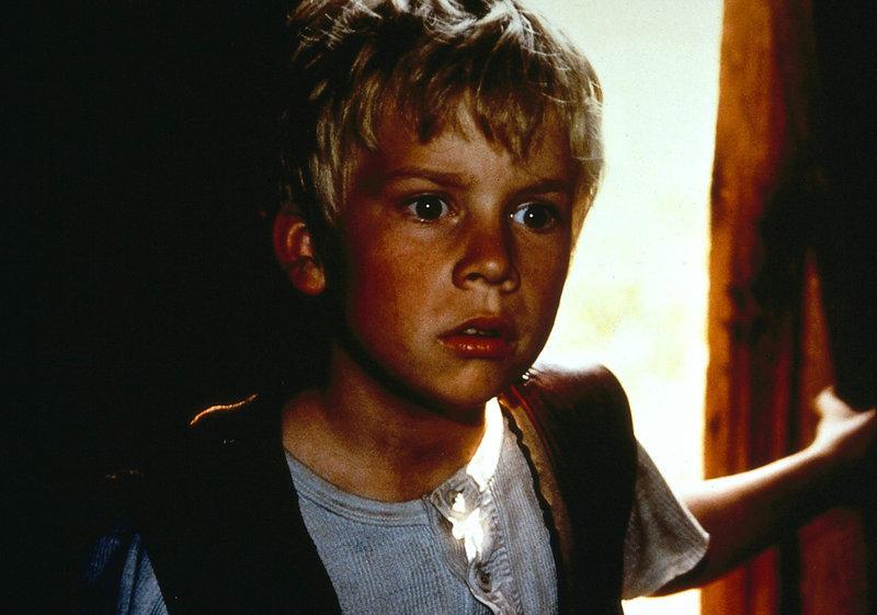 Rasmus (Erik Lindgren) aus dem Waisenhaus sucht seine Eltern. – Bild: ZDF/Taurus-Film