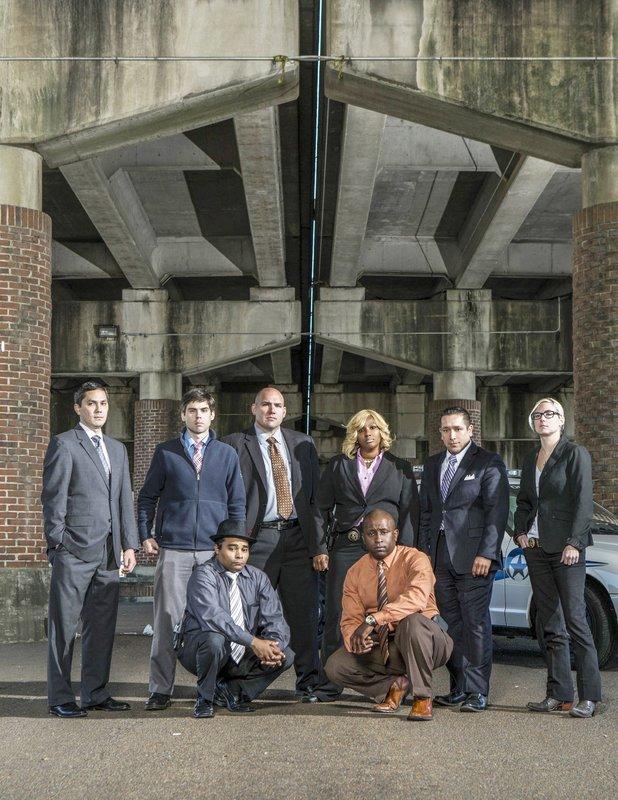 V.l.: Nicholas Gernon, Rob Barrere, Darrell Doucette, Ryan Vaught, Tanisha Sykes, Theo Kent, Anthony Pardo, Maggie Darling – Bild: RTL Crime