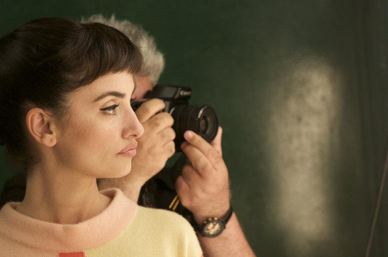 Photo plateau, tournage: Penélope Cruz et le réalisateur Pedro Almodóvar – Bild: rbb