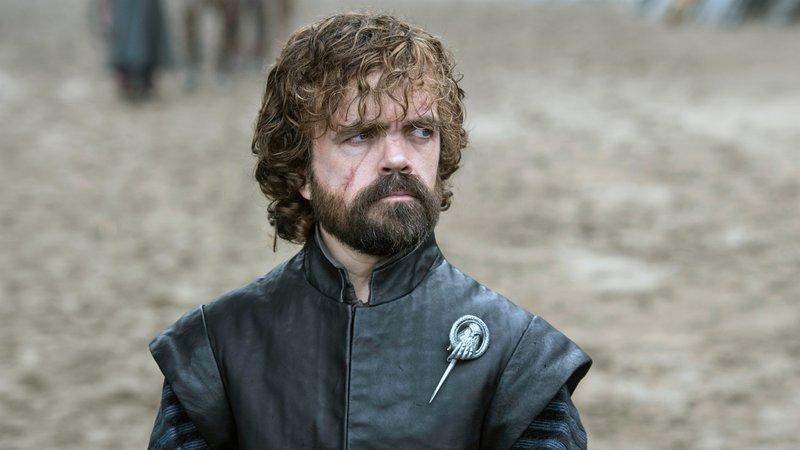 Tyrion Lennister (Peter Dinklage) hat einen Plan und begibt sich nach Königsmund.. – Bild: RTL II