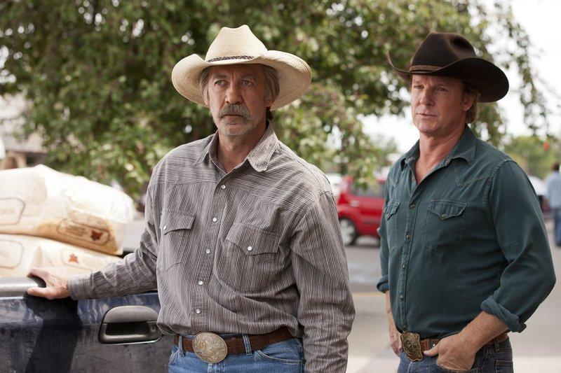 Jack Bartlett (Shaun Johnston, l.); Tim Fleming (Chris Potter, r.) – Bild: Rescued Horse Season Five Inc. Lizenzbild frei
