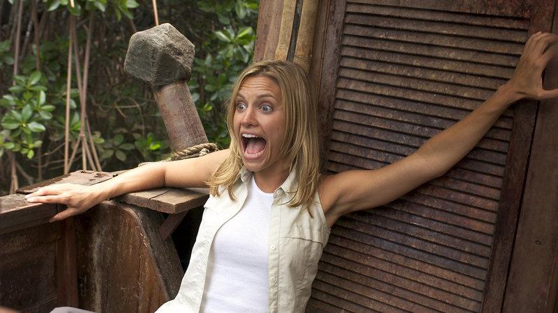 Wovor hat Sam (KaDee Strickland) solch panische Angst..? – Bild: RTL Zwei