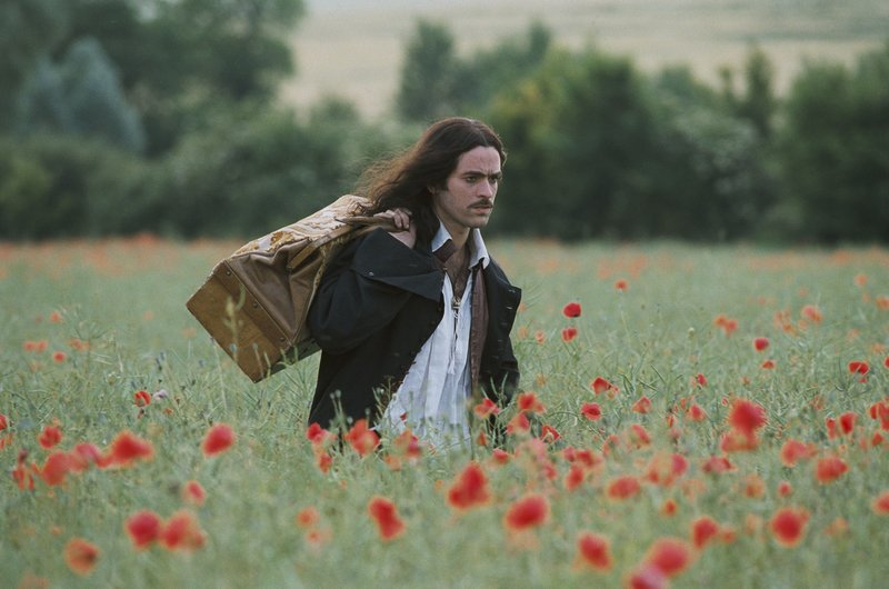 Jean-Baptiste Poquelin alias Moliere (Romain Duris) flieht aus Paris. – Bild: ATV2
