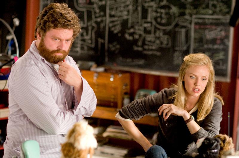 Zach Galifianakis (Ben), Kelli Garner (Marcie). – Bild: ORF