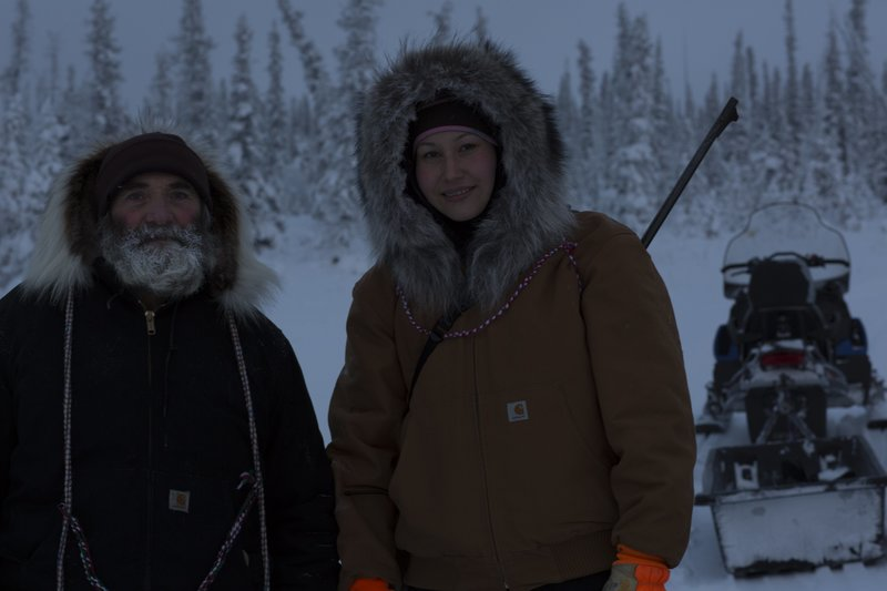 Heimo Korth and Krin Nelson are in the woods. – Bild: Discovery Channel / Discovery Communications