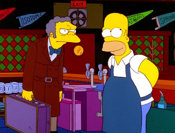 Da Moe wieder auf die Barkeeper-Universität geht, übernimmt Homer vorübergehend dessen Taverne. – Bild: ORF eins