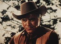 Ben Cartwright (Lorne Greene) will seinen Freund McKee um Hilfe im Kampf gegen Viehdiebe bitten ... – Bild: Paramount Pictures Lizenzbild frei